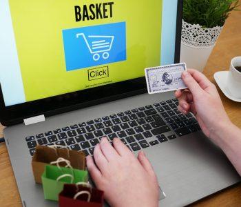 Zakupy kartą bez przewalutowania