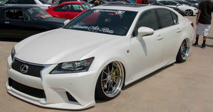 Sprzedaż Lexusa w Chinach