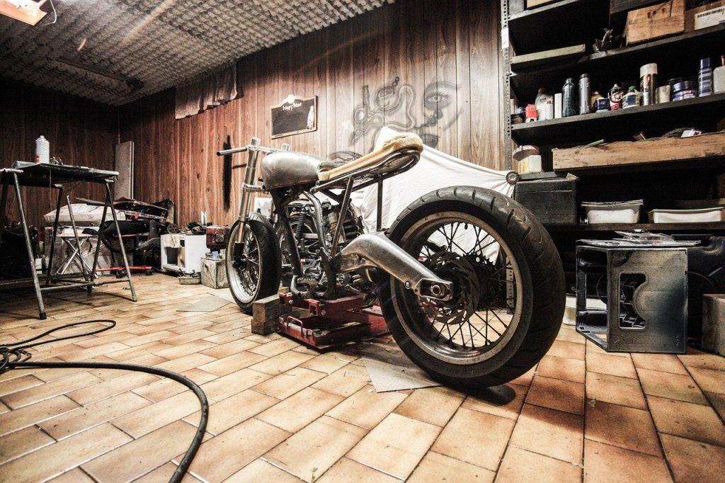 maly garaz